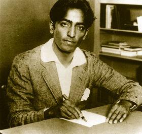 Krishnamurti jeune, écrivant