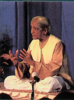 Krishnamurti en conférence